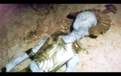 Ancient ET Aliens Mummies in Nazca, Peru wearing Ancient Greek Armor? Amateur Researcher!