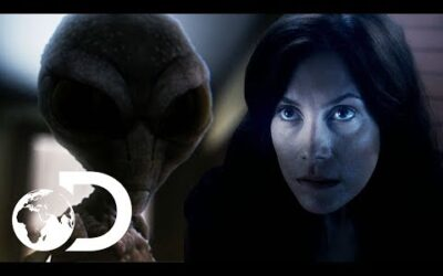 Woman Witnesses Strange UFO Sighting In British Columbia | Alien Mysteries